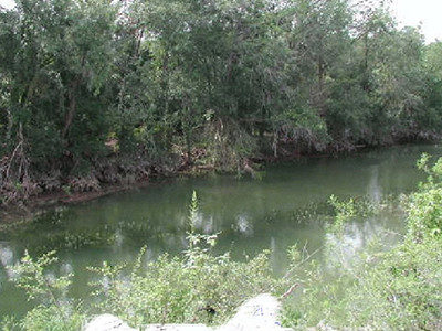 river-behind-23-04-ac-development-tract